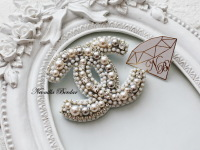 Fashion White Brooch with Swarovski pearls