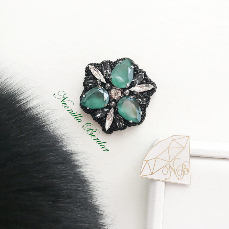 Brooch with Swarovski Crystals • Wedding brooch